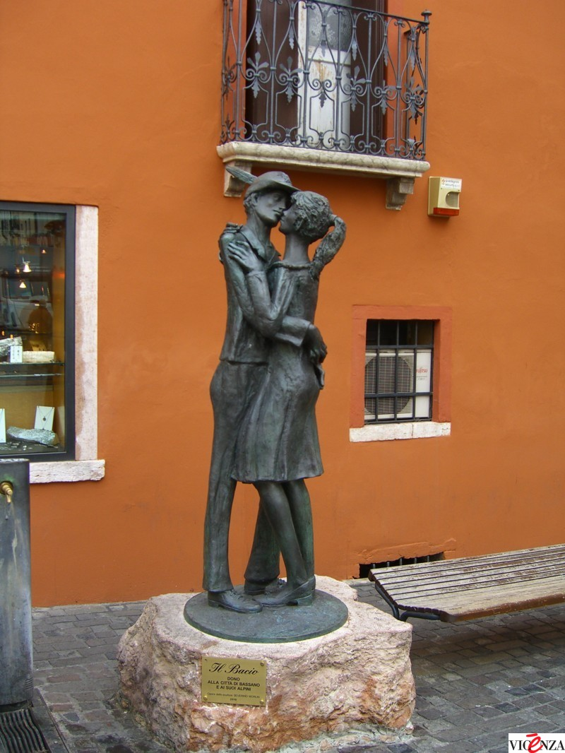 Statua bacio FILEminimizer